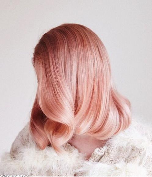 cheveux coleur rose gold