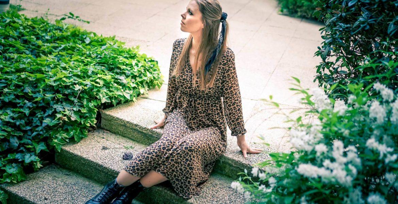 Je porte une robe leopard seconde main
